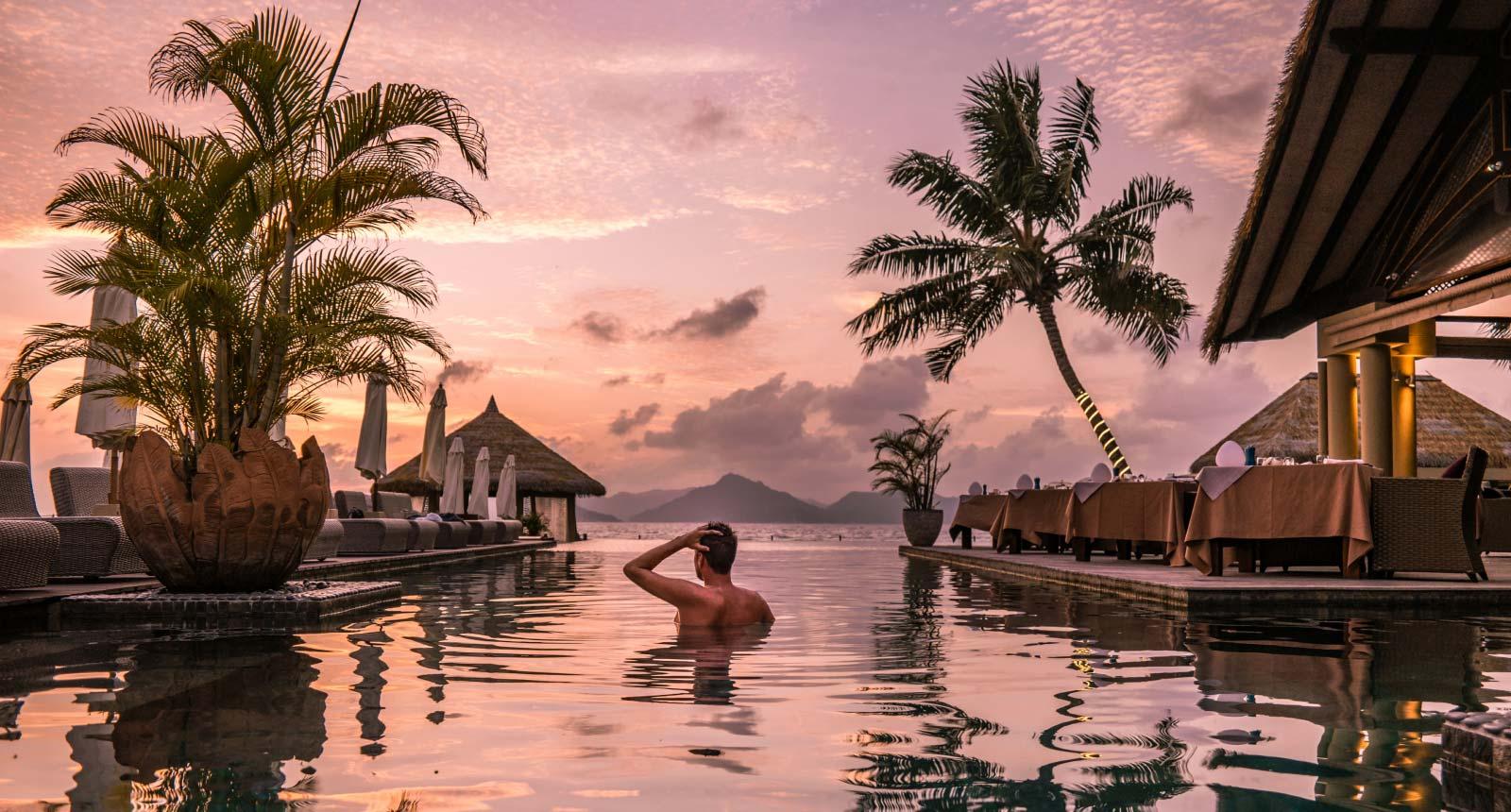 Bliss Hotel Island Hopping